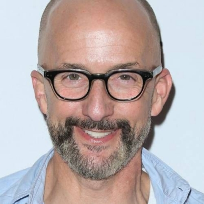 ▷ Biografía de Jim Rash ◁ Edad, gay, parejas, Civil War, Stranger Things
